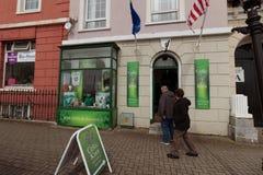 Кельтский узел, ирландский сувенир и сувенирный магазин в городке Cobh Стоковые Изображения