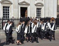 Кембридж Великобритания 27-ое июня 2018, студенты университета хранит в сенат Стоковая Фотография