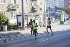 Кенийцы 2016 †Праги марафона 1/2 «наиболее быстро в Варшаве Стоковое Изображение