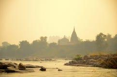 Кенотафы на сумраке, Раджастхан, Индия стоковое изображение rf