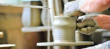 керамическая делая ваза Стоковая Фотография