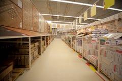 керамическая плитка магазина шкафов Стоковые Фотографии RF