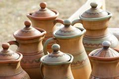 Керамические кувшины глины, посуда стоковое изображение