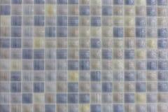 Керамические плитки в предпосылке текстуры картины бассейна или ванной комнаты стоковое изображение rf