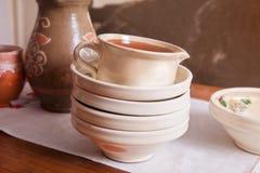 Керамические плиты и кувшин Стоковые Изображения RF