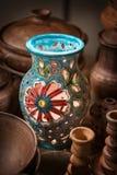 Керамический подсвечник вазы с картиной цветков Стоковое фото RF