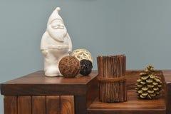 керамический Санта Клаус и современный пейзаж Стоковое Изображение RF