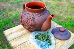 керамический чайник стоковое изображение rf