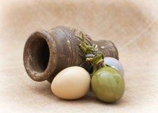 3 керамических пасхальные яйца и вазы глины Стоковое Изображение RF