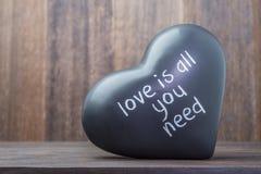 Керамическое черное сердце Стоковая Фотография
