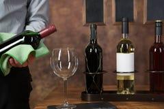 Кельнер бутылка вина Стоковая Фотография RF