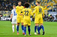 Киев, УКРАИНА - 14-ое марта 2019: Футболист и Willian Челси празднуют цель вести счет во время матча лиги Европы UEFA стоковое изображение
