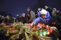 КИЕВ, УКРАИНА - 28-ое ноября 2015: Украинцы чествуют большой голод 1932-1933 Стоковое фото RF