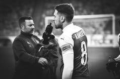 КИЕВ, УКРАИНА - 29-ое ноября 2018: Футболист во время матча лиги Европы UEFA между Vorskla Полтавой против арсенала FC ( стоковое фото rf