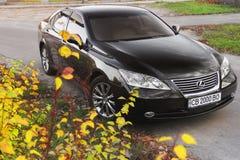 Киев, Украина - 5-ое ноября 2018: Черный автомобиль Lexus ES стоковые изображения rf