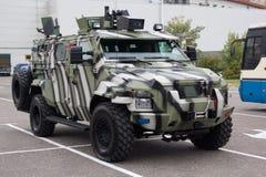 Киев, Украина - 14-ое октября 2016: Украинец-сделанная броневая машина KRaZ спартанское Стоковые Изображения