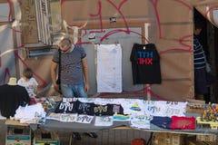 Киев, Украина - 20-ое сентября 2015: Туристы в St a улицы стоковые изображения rf