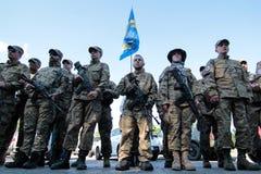 КИЕВ, УКРАИНА - смогите 19, 2015: Воинские военнослужащие и женщины от batallion 'Sich' Стоковая Фотография RF