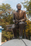 Киев, Украина - 3-ье сентября 2015: Памятник к неизвестному футбольному тренеру Valery Lobanovsk стоковое изображение rf
