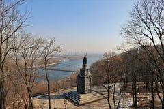 Киев, Украин Панорамный вид с памятником Владимир большая стоковая фотография