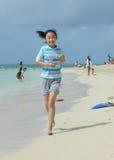 киец ребенка пляжа Стоковая Фотография