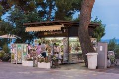 Киоск газеты в Silvi Paese Италии Стоковая Фотография