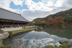 КИОТО, Япония - ноябрь 13,2014: Взгляд виска Tenryuji в Arashiyama Киото Стоковая Фотография RF