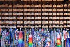 КИОТО, ЯПОНИЯ - 14-ОЕ ЯНВАРЯ: Неопознанные люди на Fushimi Inari Стоковая Фотография