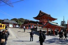 КИОТО, ЯПОНИЯ - 14-ОЕ ЯНВАРЯ: Неопознанные люди на Fushimi Inari Стоковое Изображение