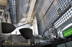 КИОТО, ЯПОНИЯ - 27-ОЕ ОКТЯБРЯ: Станция Киота trai Японии 2-ое самое большое Стоковое фото RF