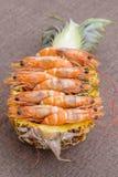 Кипеть креветка, который служат в ананасе, Таиланде Стоковое Изображение RF
