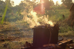 Кипеть местное помадок традиционное с дымом или жарой Стоковые Фотографии RF
