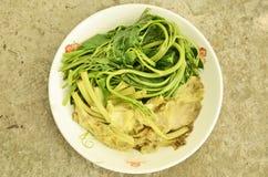 Кипеть овощи в плите Стоковые Фотографии RF
