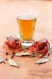 Кипеть crawfish с пивом Стоковое Изображение RF