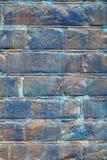 Кирпичная стена покрашенная в сини Стоковое Изображение