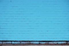 Кирпичная стена покрашенная в сини Стоковое Фото