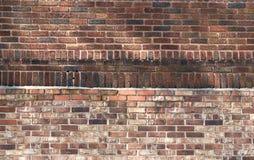 Кирпичная стена с бежать & кирпичом солдата Стоковые Изображения RF