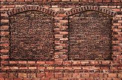 Кирпичная стена с нишами Стоковое Изображение RF