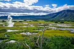 Кисловочное озеро в Uzon& x27; кальдера вулкана s Камчатка, Россия Стоковые Изображения RF