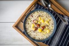 Кислый суп в шаре Стоковые Изображения RF