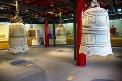 Китаец Азии, Пекин, ¼ Œ exhibitionï ŒIndoor ¼ Dazhongsi старое колокола Museumï Стоковые Изображения RF