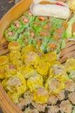 Китаец испарился продажа вареника в рынке свежих продуктов Стоковое Изображение