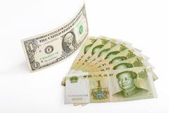 Китайская банкнота rmb денег и американский доллар Стоковое Изображение