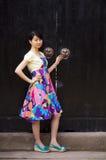 Китайская девушка в старом городке Стоковая Фотография RF