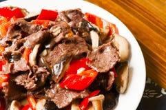 Китайская еда--Гриб и говядина Стоковое Изображение