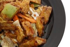 китайская еда Зажаренные aubergines с овощами Стоковое Фото