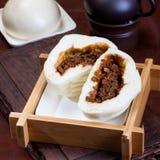 Китайская еда, испаренные плюшки Стоковое Изображение