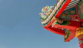 Китайская крыша над голубым небом Стоковая Фотография