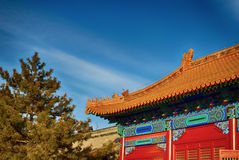 китайская крыша традиционная национальный тип Готовое яркое знамя Стоковые Фото