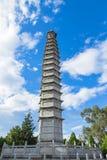 Китайская пагода в виске под голубым небом и белым облаком в Dali Стоковая Фотография RF